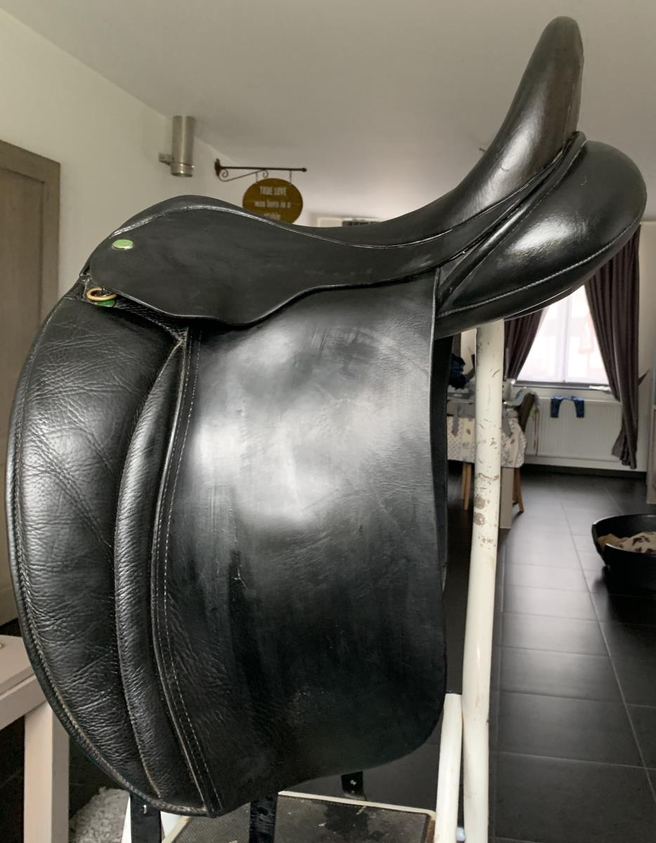 Hulsebos dressuurzadel